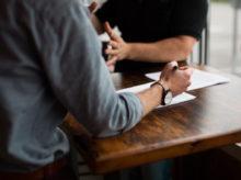 Jednání ve firmě