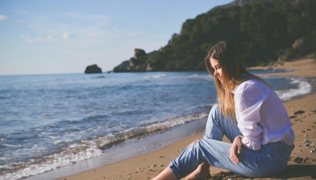 Dívka u moře